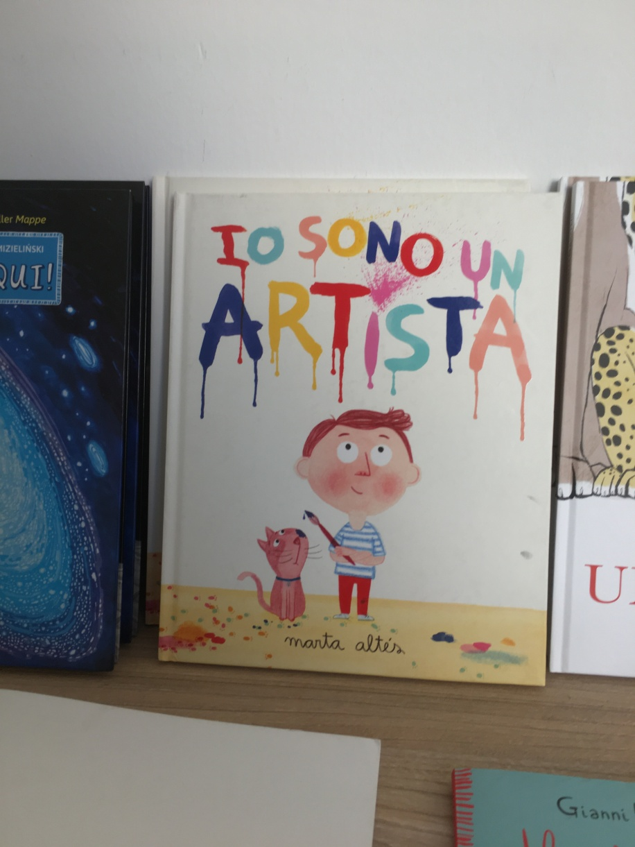 """I am an artist"" book in museum gift shop"