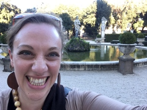 Another fountain by which to take selfie