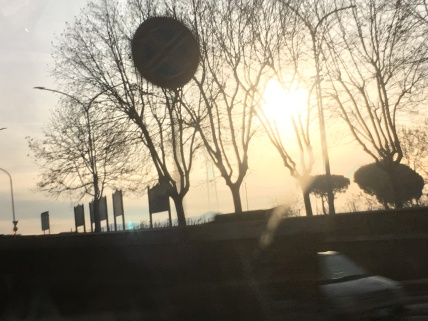 Some viewsof the sunrise through the windows of my taxi...